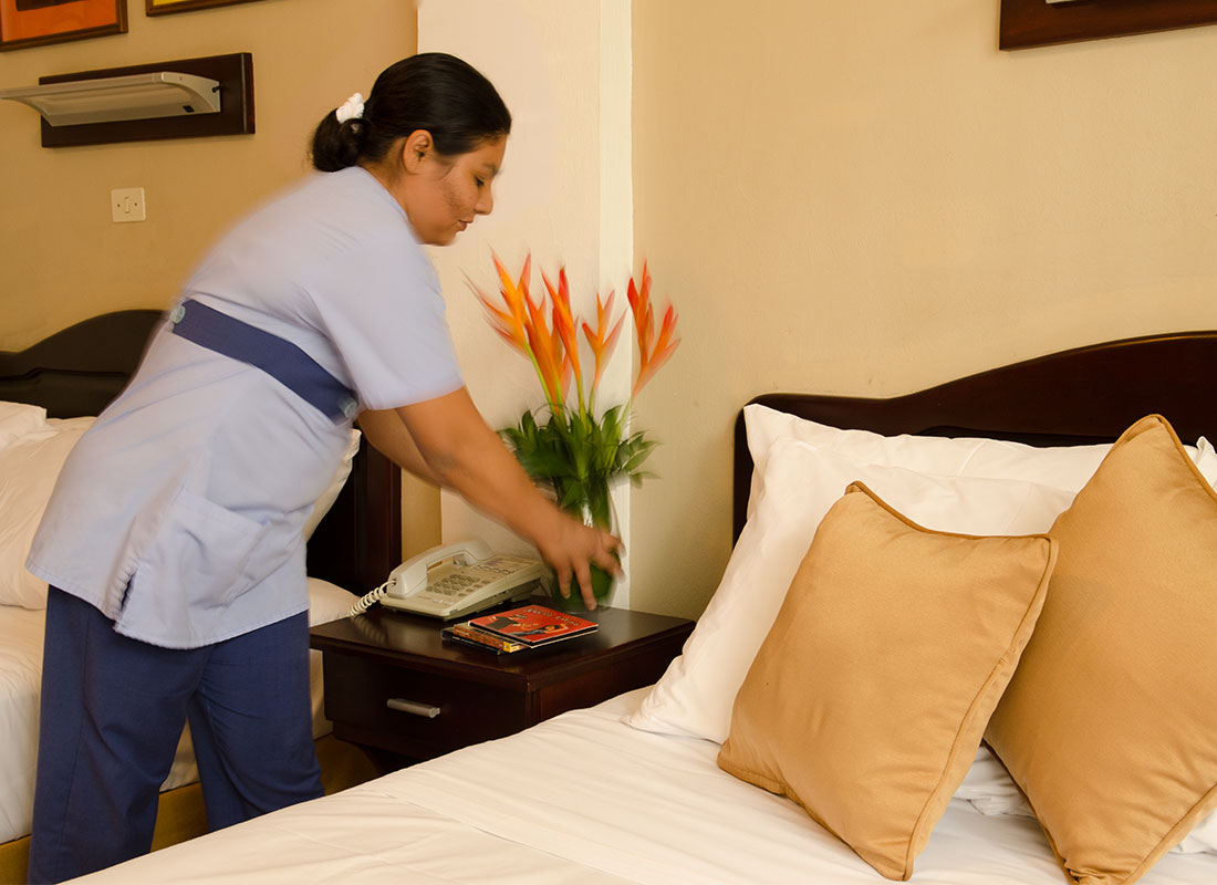 Maid service everyday at Hotel y apartaments La Sabana