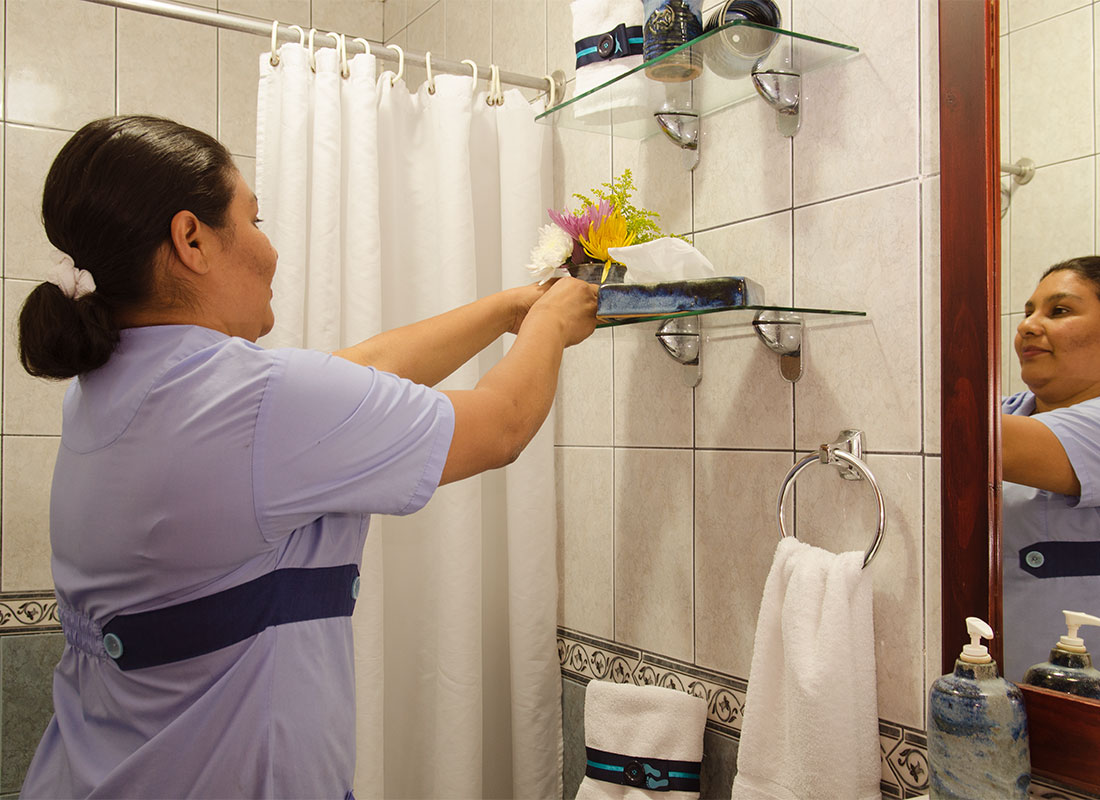 Maid services everyday at Hotel y apartaments La Sabana
