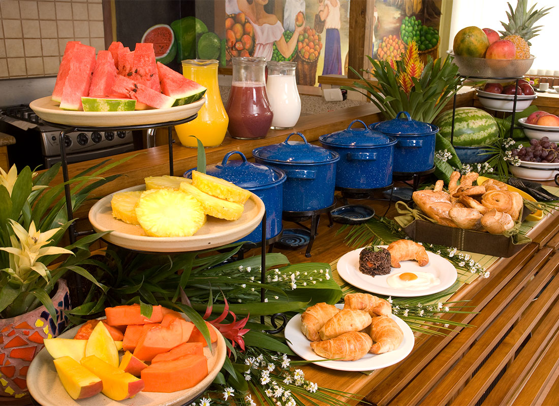 Breakfast with natural fruits at Hotel y apartaments La Sabana